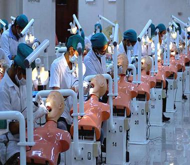 dental students preclinical lab